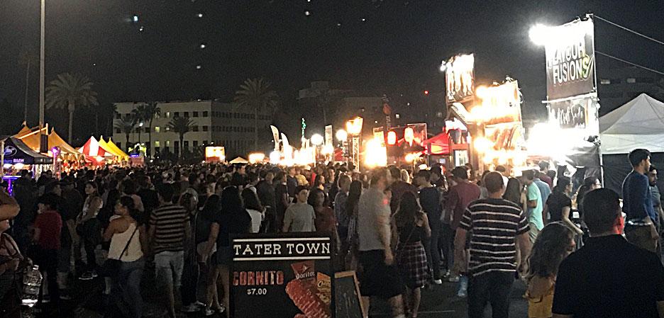626-market-night-crowd