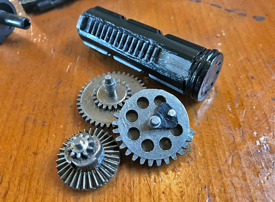 Arcturus-gearbox-gears-piston