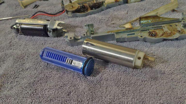 JLS-RX4-SHS-piston-768x432