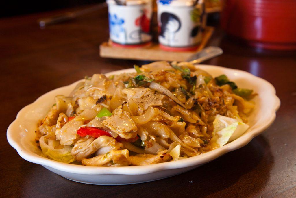 Pad-Kee-Mao-thai-food-1024x685