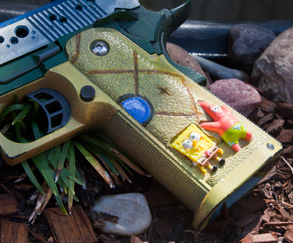 SpongeBob-Airsoft-pistol-close-up