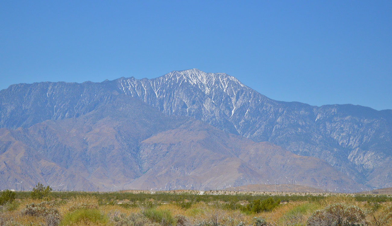 desert-snow-mountain
