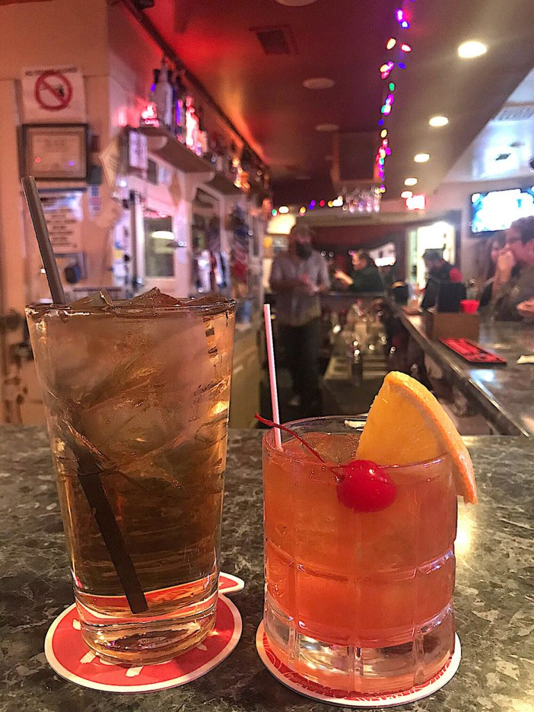 dive-bar-drinks-768x1024