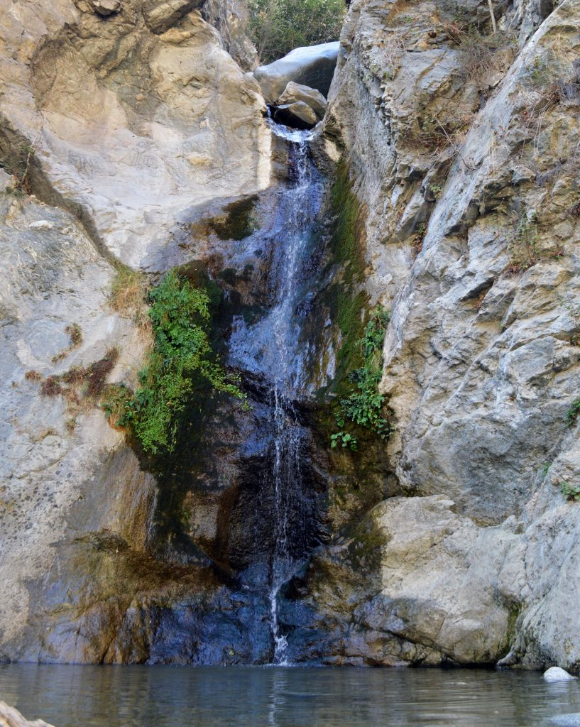 eaton-canyon-waterfall-817x1024