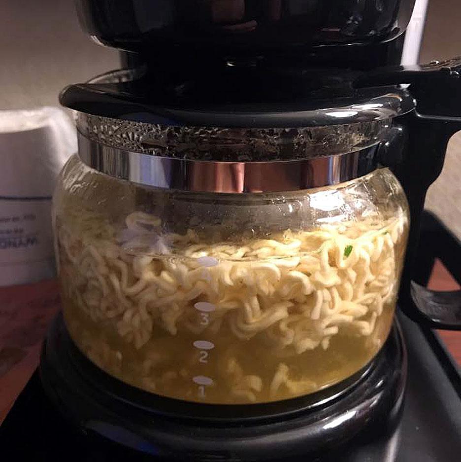 making-coffee-pot-noodles